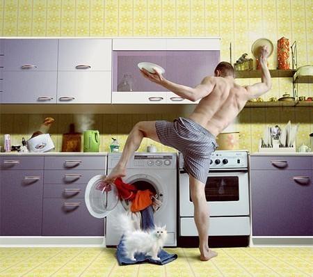 муж на кухне (450x398, 55Kb)