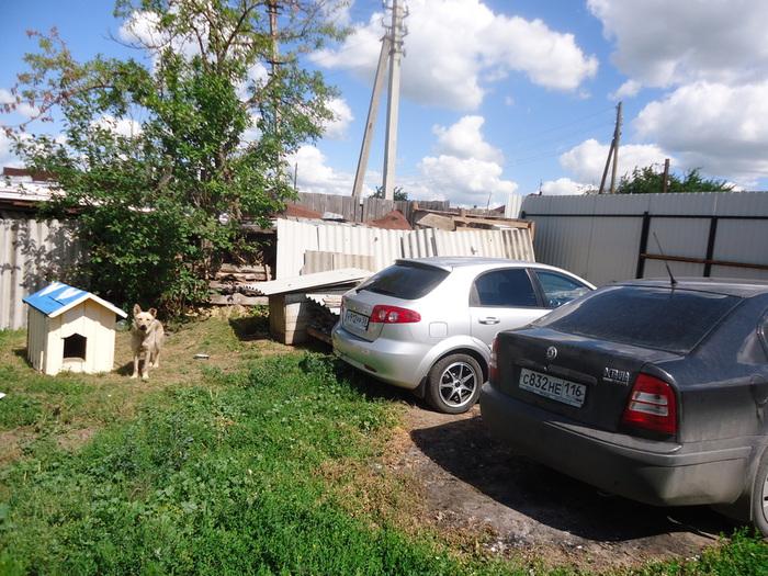 парковка во дворе  (700x525, 200Kb)