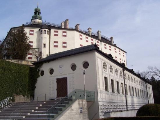 замок Амбрас 4 (550x412, 129Kb)