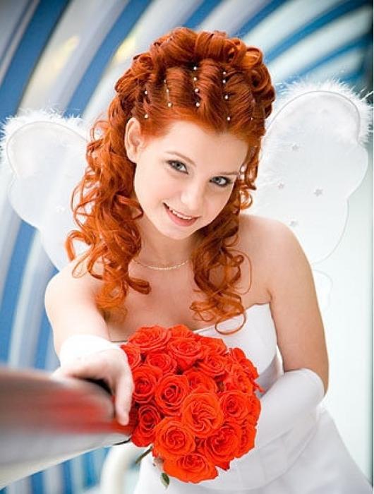 Прически на короткие волосы на выпускной рыжие