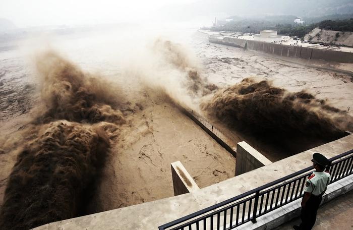 дамба на реке хуанхэ китай 1 (700x456, 228Kb)