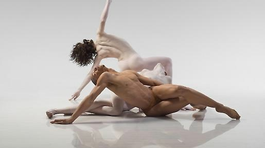 re-part_ii_c_lois_greenfield_4 (715x489, 33Kb)