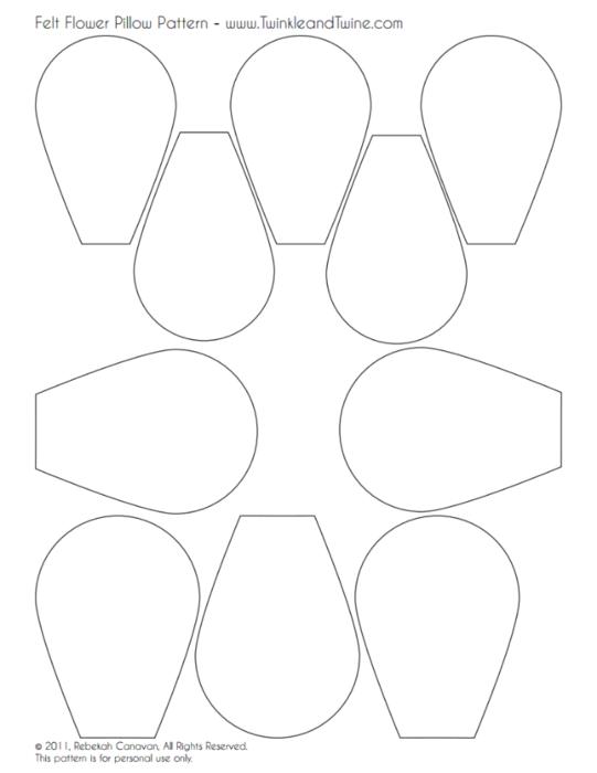 patrón de flores a modo de almohada (541x700, 79Kb)
