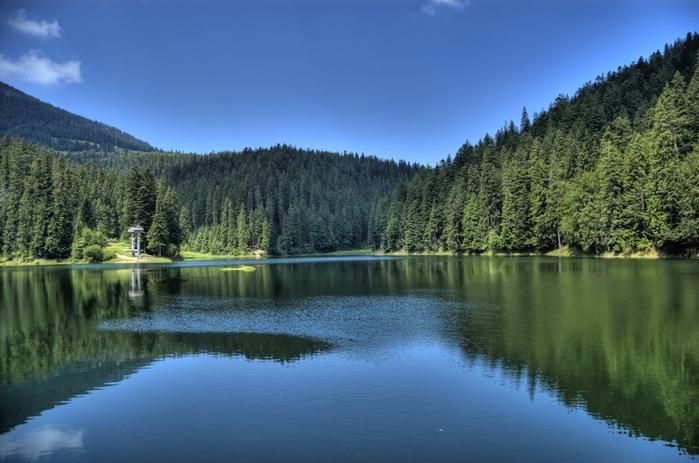 Синевир - сказочное озеро украинских Карпат-3 (800x563, 244Kb)