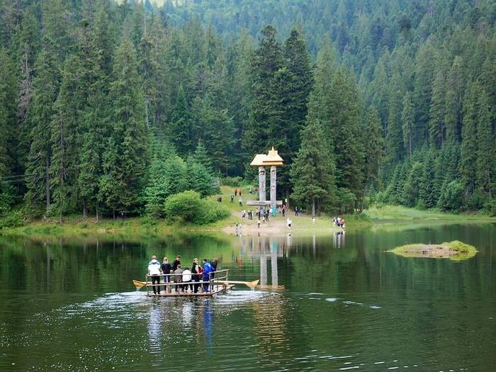 Озеро Синевир в Украине (800x625, 323Kb)