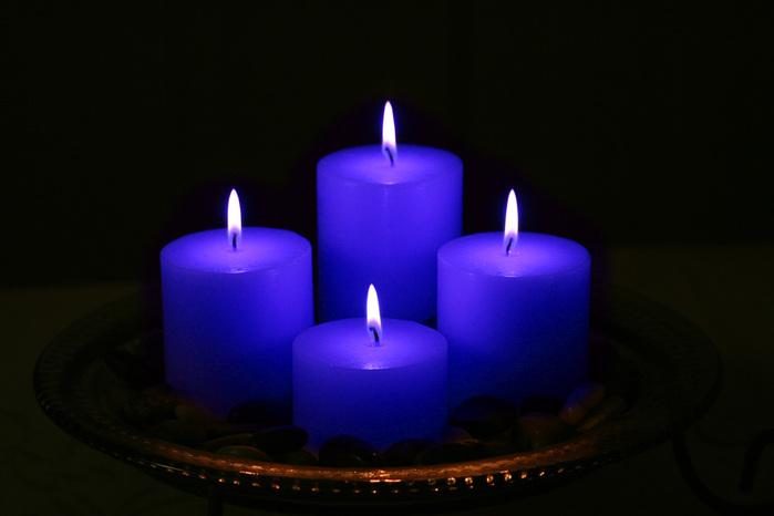 четыре свечи (700x466, 57Kb)