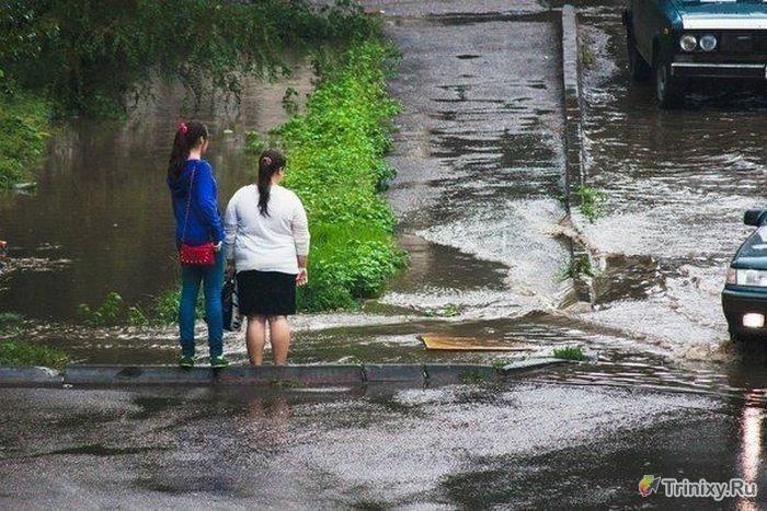 rain_girls_01 (700x467, 224Kb)