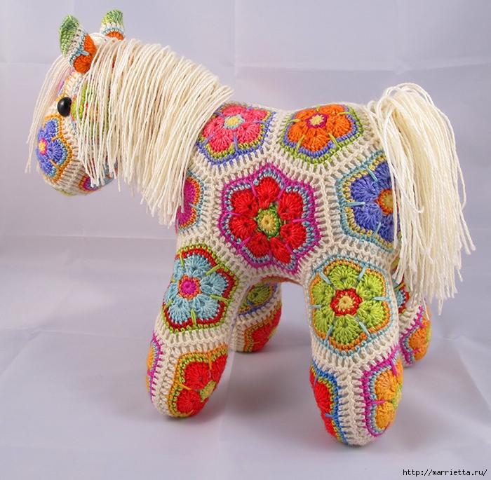 Замечательная лошадка фрагментом Африканский Цветок (2) (700x685, 385Kb)