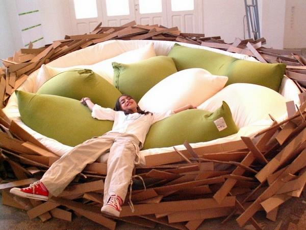 дизайнерская мебель кровать-гнездо 3 (600x450, 193Kb)