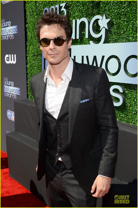 ian-somerhalder-young-hollywood-awards-2013-red-carpet-11 (466x700, 106Kb)