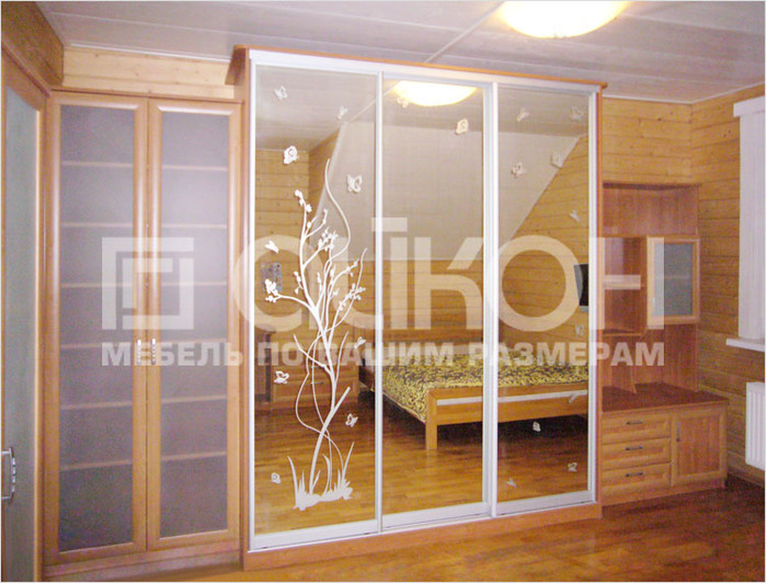 4278666_wardrobe_with_sliding_doors_in_nursery (700x532, 146Kb)