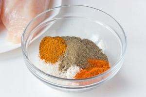 Соединяем соль, чёрный молотый перец, красный молотый перец, паприку./3576489_e95523b6a00b125fc72fcb6ecddefce3_202502 (300x200, 41Kb)
