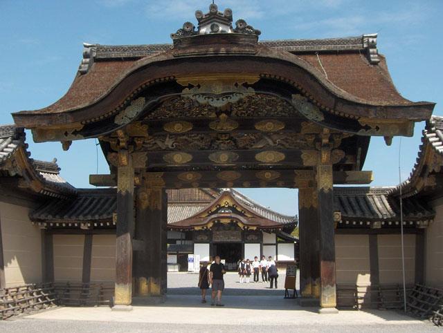 Японский замок Нидзё фото 1 (640x482, 209Kb)