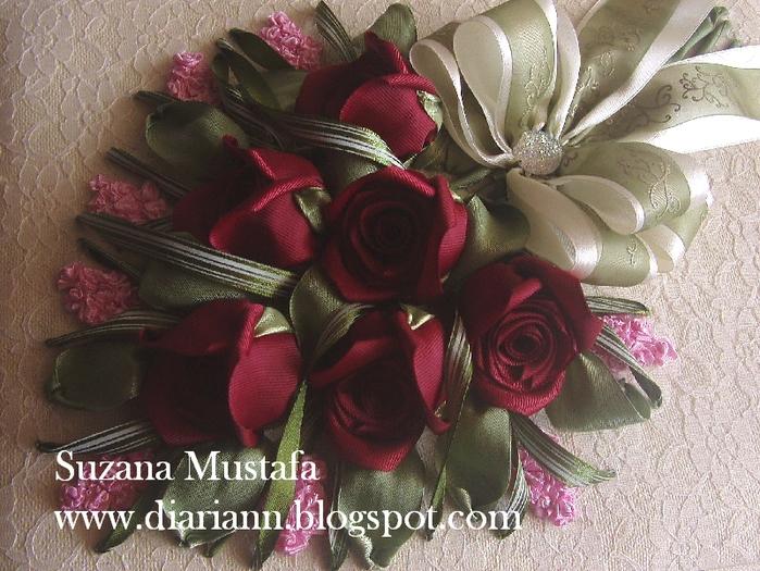 розы. объемная вышивка лентами (5) (700x525, 335Kb)