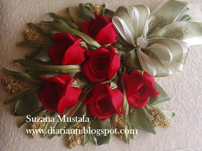 розы. объемная вышивка лентами (9) (700x525, 328Kb)