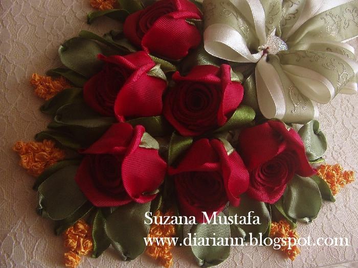 розы. объемная вышивка лентами (13) (700x525, 316Kb)