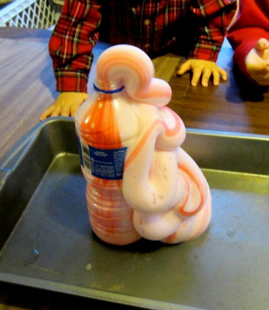 Как вернуть детей с каникул в учебу? Часть 1: интересная наука, занимательные эксперименты зубная паста для слона/2565092_elephant_toothpaste1 (550x634, 100Kb)