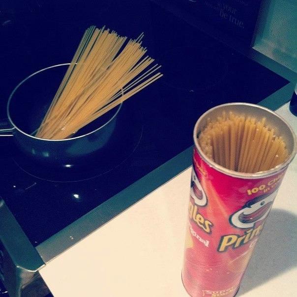 Храните спагетти в пачках-цилиндрах от Принглс (604x604, 142Kb)
