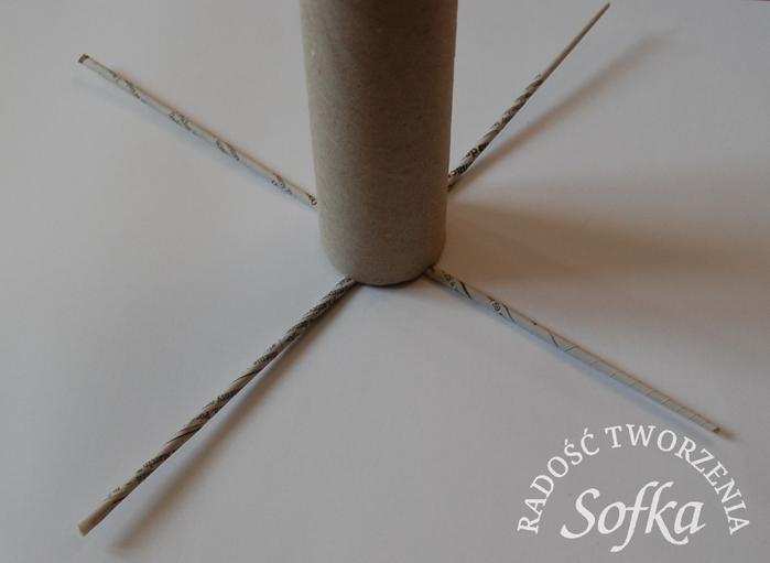 как крутить трубочки из газет и плести спиральным плетением (11) (700x511, 157Kb)