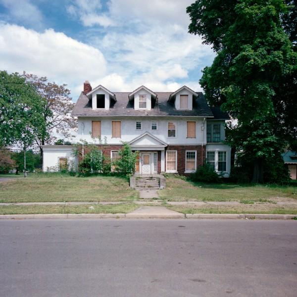 дом за один доллар/4171694_dom_v_detroite (600x600, 109Kb)