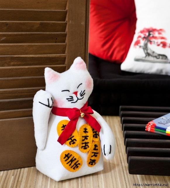 Шьем кота Манеки Нэко - подставку для двери (1) (582x643, 201Kb)
