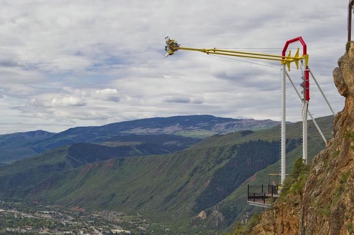качели над пропастью Giant Canyon Swing 1 (700x465, 212Kb)