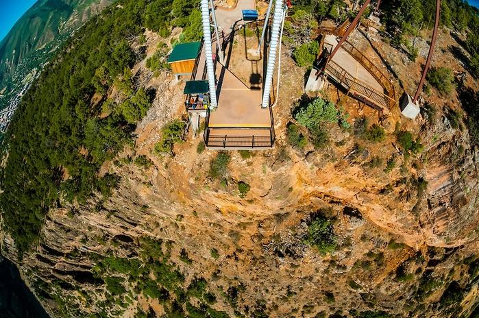 качели над пропастью Giant Canyon Swing 5 (700x464, 373Kb)