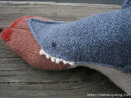 103953088_sharksocks06.jpg