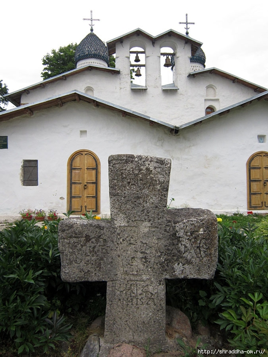 Псков, Церковь Покрова от Пролома (2) (525x700, 287Kb)