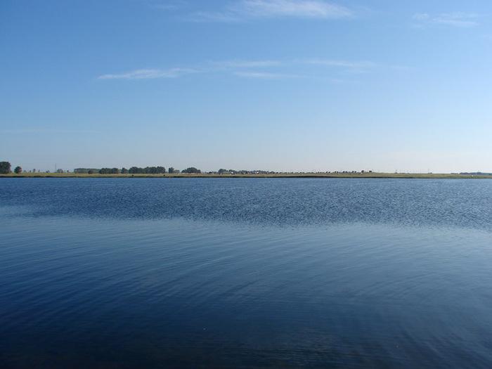 Вода в озере/1415502_DSC00035_kopiya (700x525, 75Kb)
