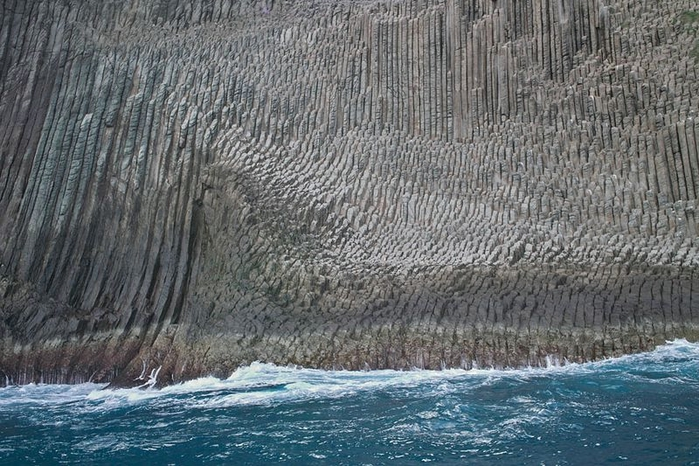 базальтовые скалы Los Organos фото 2 (700x466, 298Kb)