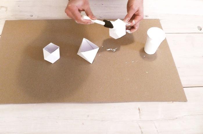Свечи и гипсовые вазочки геометрической формы. Шаблоны и мастер-класс (24) (700x462, 179Kb)
