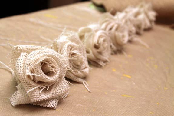 Цветы из мешковины своими руками фото мастер класс