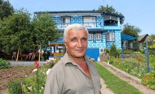Пенсионер в белорусской деревне построил собственный аквапарк