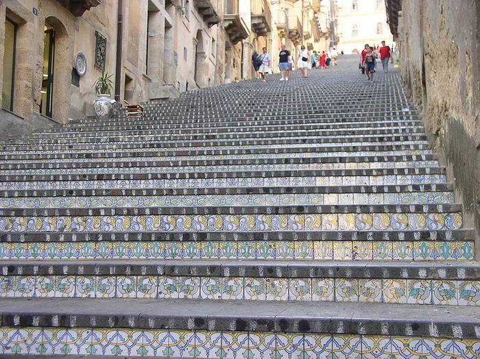 лестница Санта-Мария-дель-Монте сицилия 1 (700x524, 555Kb)