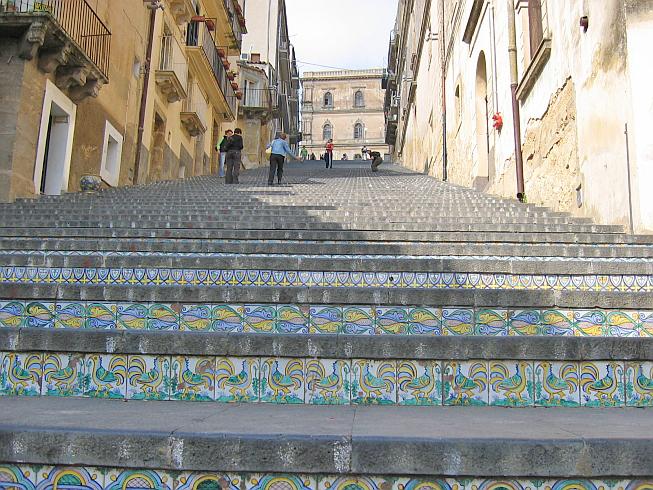 лестница Санта-Мария-дель-Монте сицилия 2 (653x490, 558Kb)