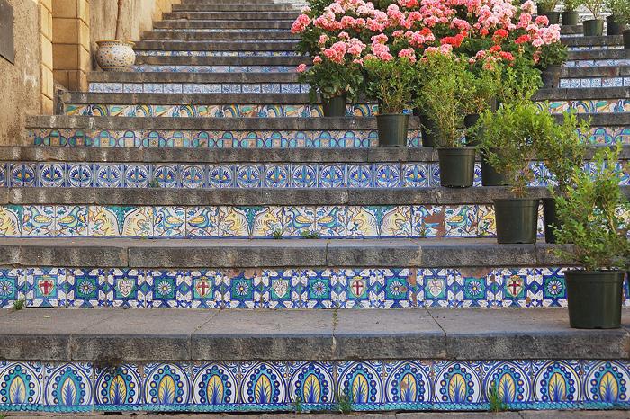 лестница Санта-Мария-дель-Монте сицилия 7 (700x466, 626Kb)