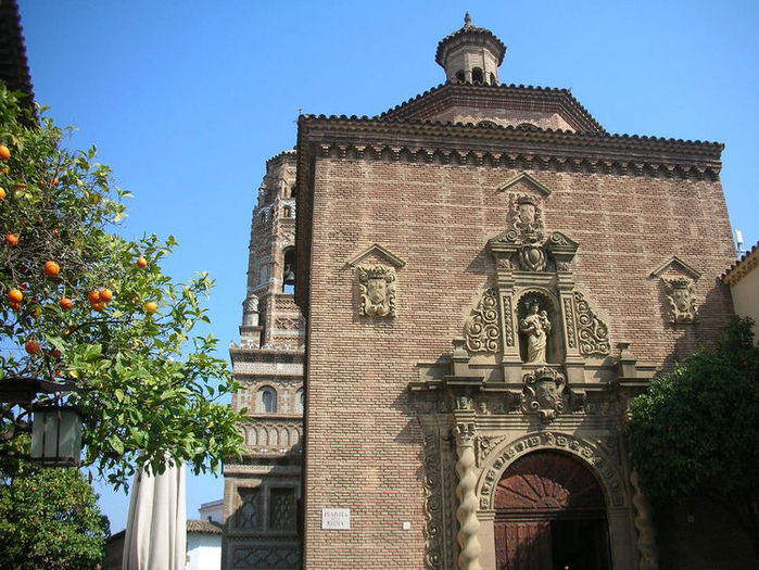 441298180_750_church-of-carmelitas-alca-iz-teruel (700x525, 118Kb)