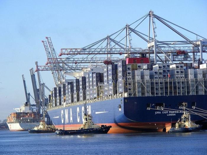 контейнеровоз CMA CGM Marco Polo фото 3 (700x524, 373Kb)