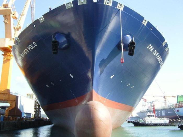 контейнеровоз CMA CGM Marco Polo фото 5 (700x525, 317Kb)
