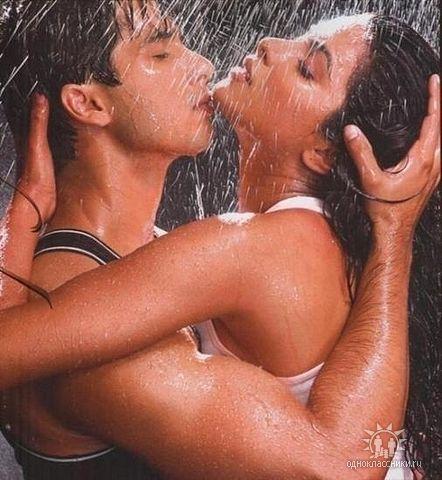 дождь и двое (442x480, 182Kb)