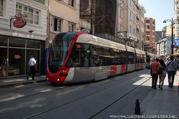 1376914192_tramvay_v_stambule (700x466, 204Kb)