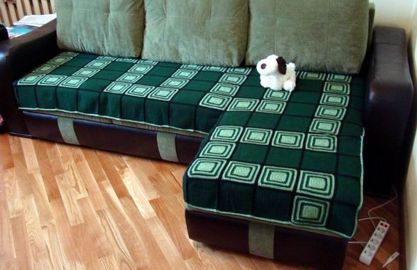 Вязанные накидки на угловой диван
