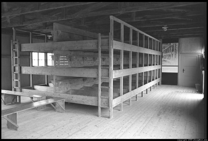 dachau-barracks-60.4 (700x474, 187Kb)