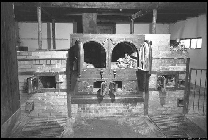 dachau-krematorium-ovens-68.4 (700x474, 204Kb)
