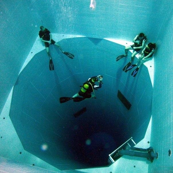 бассейн для дайверов бельгия (604x604, 225Kb)