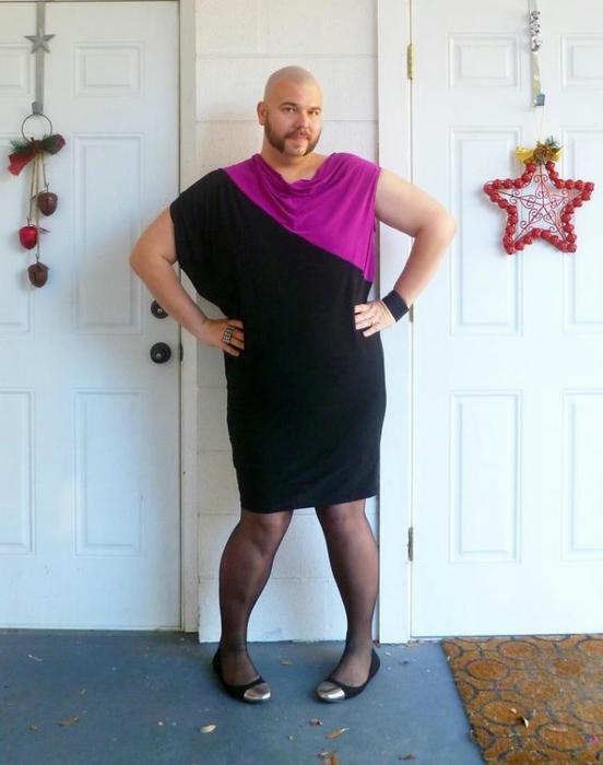 Его чёрное платье
