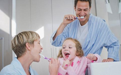 чистка зубов 2 (482x300, 95Kb)