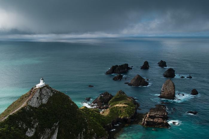 маяк Nugget Point Новая Зеландия фото 3 (700x466, 323Kb)