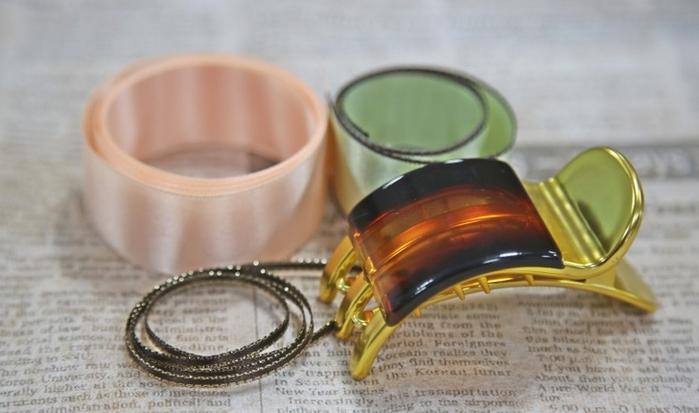 Розочка из ленточки для украшения зажима для волос. Мастер-класс (1) (700x413, 373Kb)